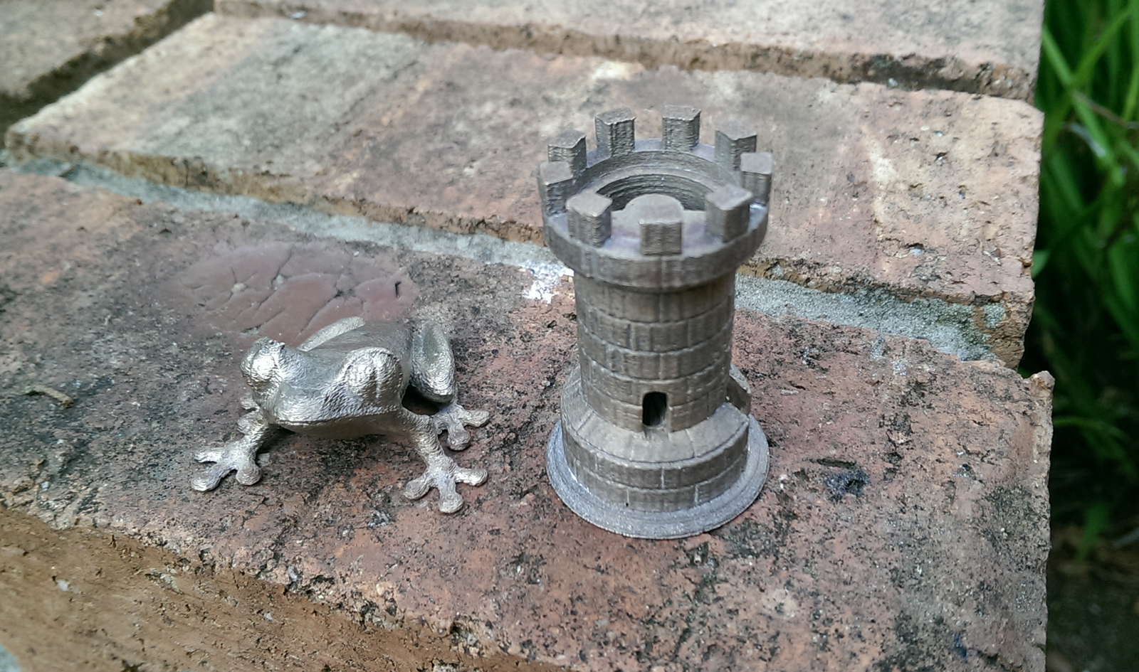 Investment casting of some miniature, highly detailed parts and aluminium.